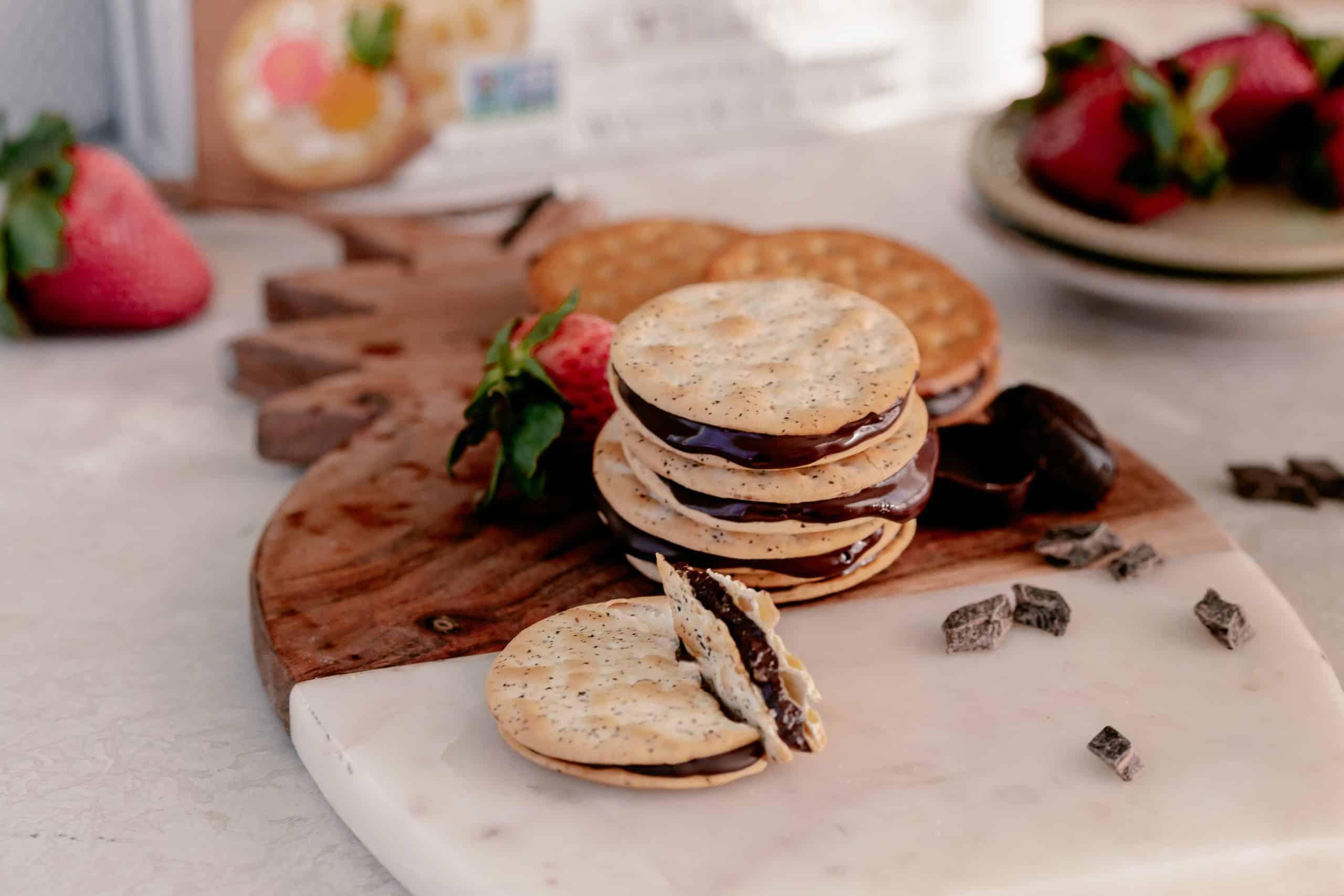 Chocolate Stuffed Crackers